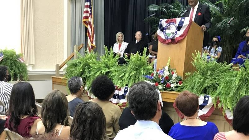 All seven members of the Laurel City Council were also sworn in to office.