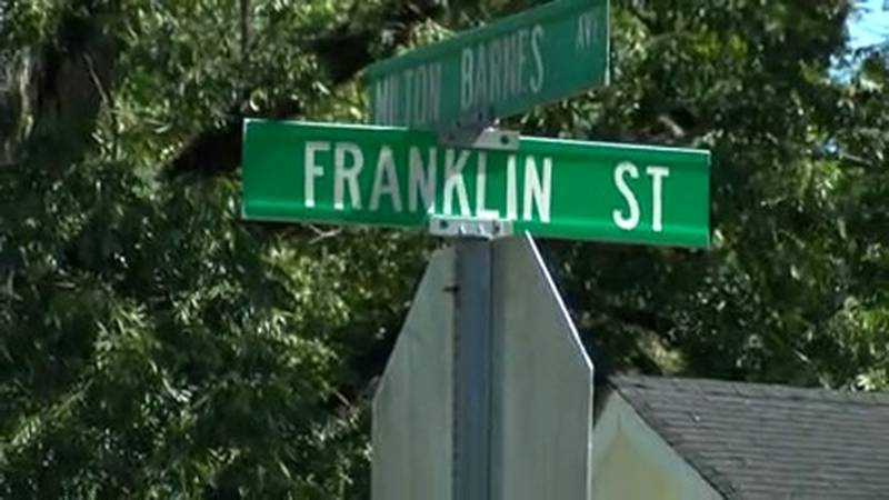 Hattiesburg police responded to a deadly shooting no Franklin Street Tuesday night.