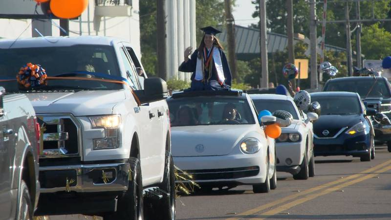 A total of 204 Wayne County High School seniors accepted their diplomas for the 2021 school year.
