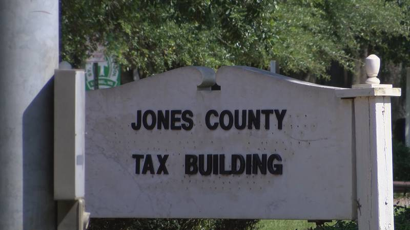 With COVID-19 cases on the rise, the Jones County Board of Supervisors have extended their mask...